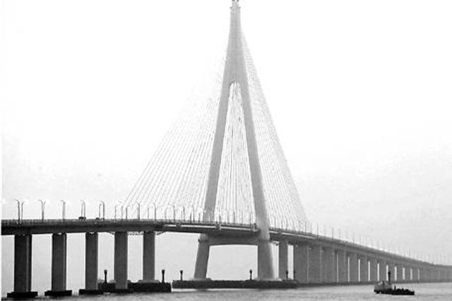 杭州湾跨海大桥10年驶过1.2亿辆车 运送最多的是海鲜