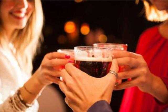 杭州1派出所约谈酒吧老板 提议不要卖酒给喝醉的客人