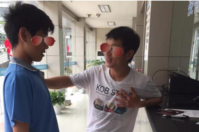 在杭州15岁少年偷钱被发现出走 谎称流浪求助救助站