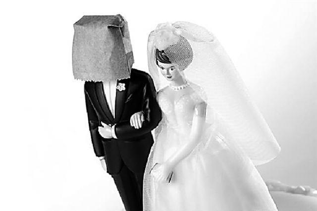 台州离异女为维持老板娘派头 闪嫁4个老公骗30万