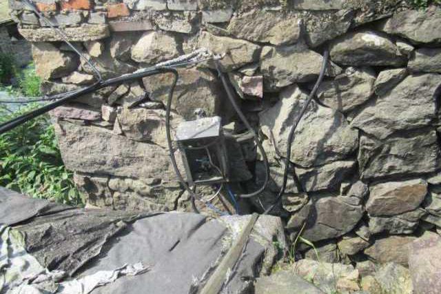 台州版肖申克每天在墙上凿掉小块 一周后凿通偷到电