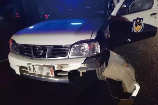 散装罐车车主冲卡撞坏警车 杭驾驶员停车后撒腿就跑