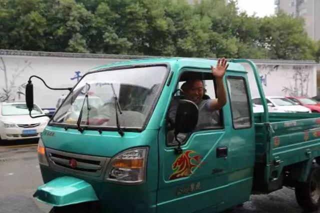 价值12万的包裹离奇失踪 杭州一快递哥绝望欲自杀