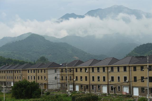 杭州下图山村杭黄安置小区竣工 共建造了28栋新房