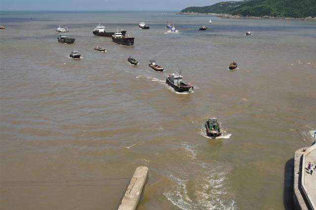台风玛莉亚登陆浙闽沿海 台州渔船回港避风