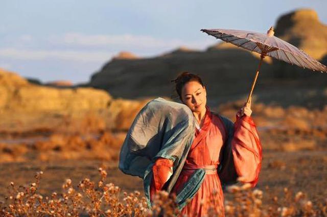 台州男子坚持拍妻十年 精选1万多张照片成网红