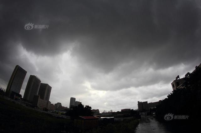 台风安比今天中午将登陆浙江舟山到江苏启东一带
