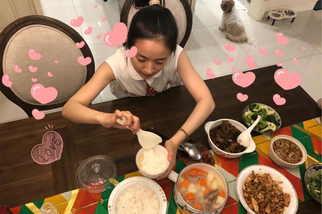 林依晨晒小时候妈妈常做的菜 感慨吃到的都是回忆