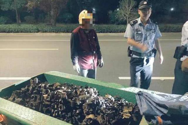 杭州1包工头担心路边建材会被偷走 去看时正好撞上贼