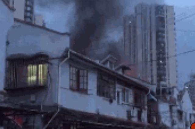 温州一民房发生火灾致2死3伤 起火原因正在调查中