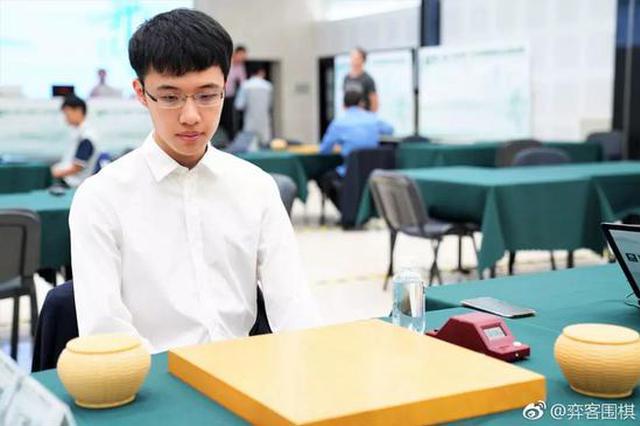 空姐发帖寻一见钟情的乘客 意中人是杭州队围棋国手