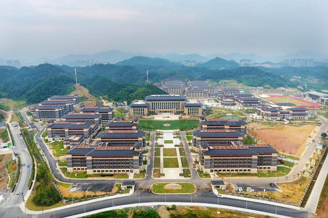 杭州医学院临安校区正式启用 首批近2000名新生入学
