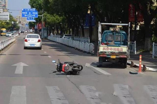 嘉兴一男子遇车祸被压车下 全靠一件东西救回命