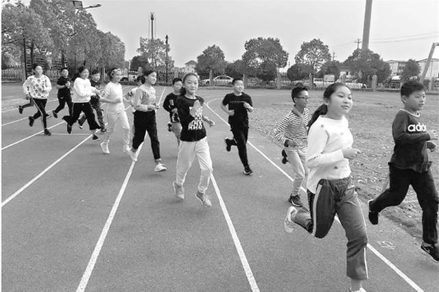 杭州1小學班級每天放學后跑800米 學生體質明顯提升