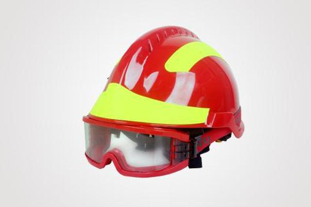 紹興諸暨一女子從高處摔下 民警同消防隊員緊急救援