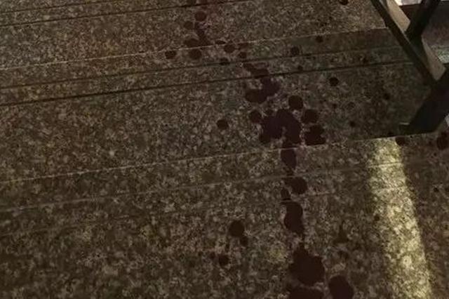杭州男子刀砍母亲头部六刀 几年前曾杀死亲弟弟