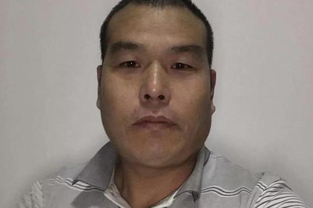 7旬大伯生病走路困难 杭州的哥主动背大伯直上3楼