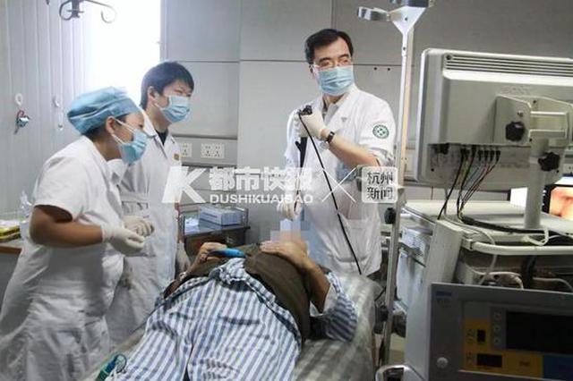 杭州男子曾拥有麒麟臂和8块腹肌 却喘得像个80岁老人