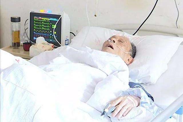 宁波老人支气管里塞满豆子 引发严重的呼吸衰竭