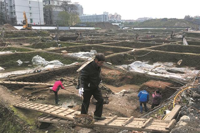 杭州德寿宫第4次考古发掘 可能已经挖到小西湖的边