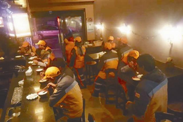 浙夫妇善举获央视关注 4年为环卫工提供1月爱心早餐