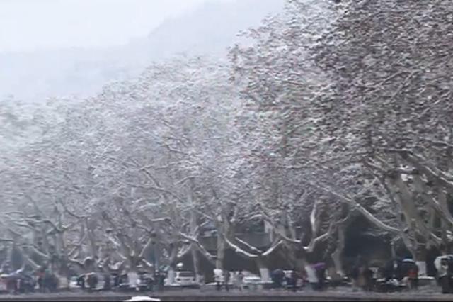 当汉服遇上断桥残雪 这场西湖跨年雪有点美