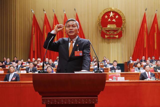 嘉兴第8届人民代表大会第4次会议开展 毛宏芳当选市长
