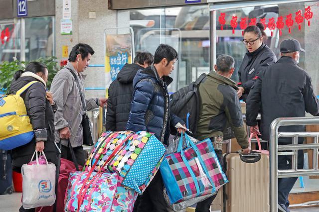 杭州长运推出春节返乡包车服务