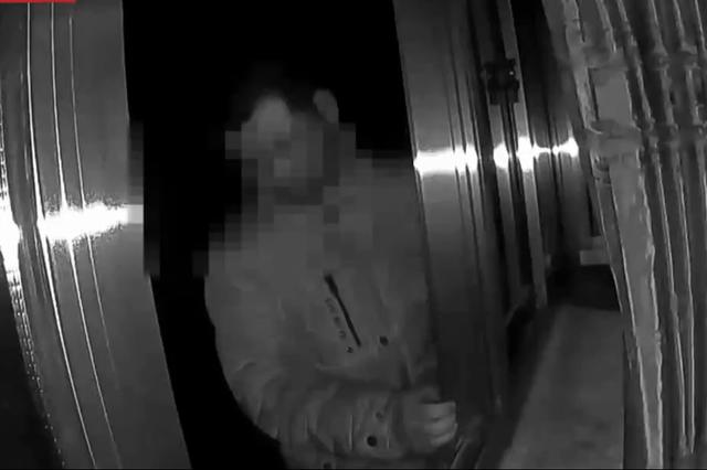 绍兴1语言障碍男子欲跳楼轻生 民警递纸条一把救下