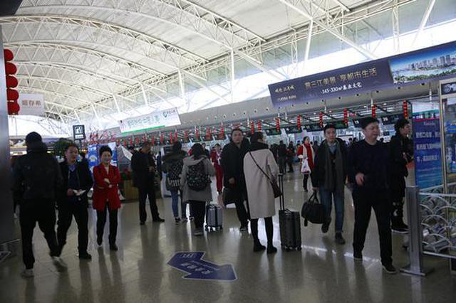 走出家门成春运新亮点 宁波机场客流高峰将至元宵节
