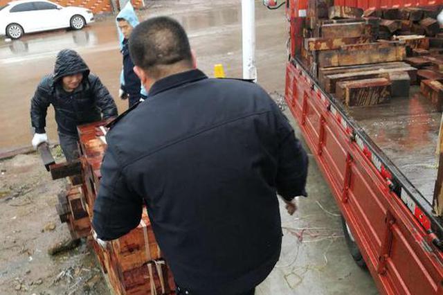 10吨缅甸花梨不翼而飞 金华民警快速破案如数追回