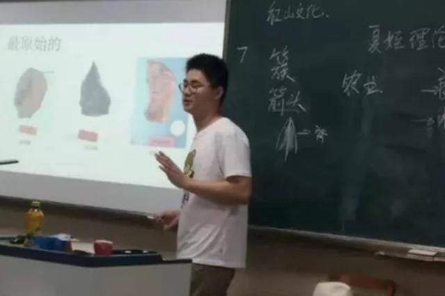 杭州1男孩从小爱逛博物馆 高中毕业被芝加哥大学录取