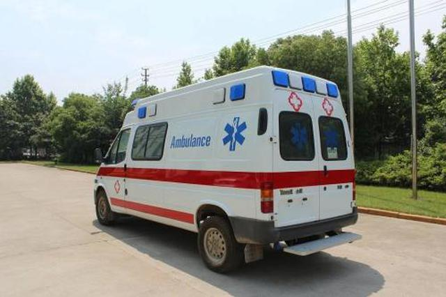 浙高速公路上2个月婴儿呛奶命悬一线 救护车正好经过