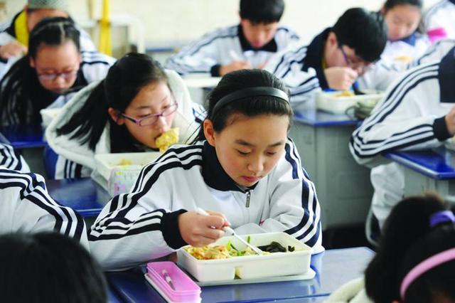 宁波大学推学霸午餐 组织学霸和同学边吃边聊边学习