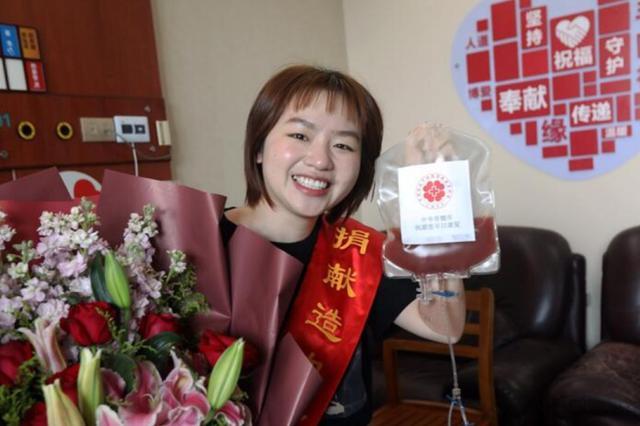 浙95后女护士半个月胖一圈 因想要救人毫无怨言(图)