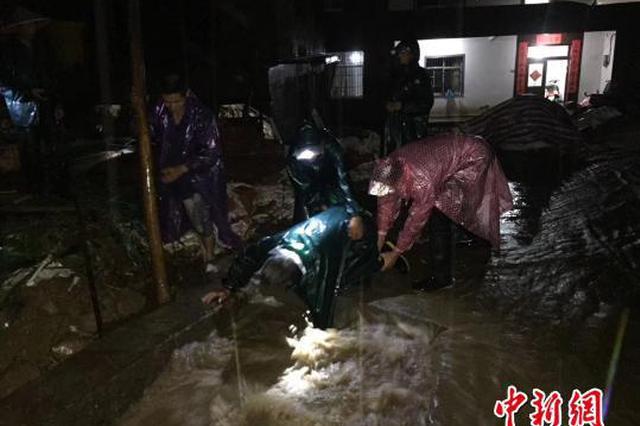 防汛抗洪进行时:浙江遂昌已转移安置10991人(组图)