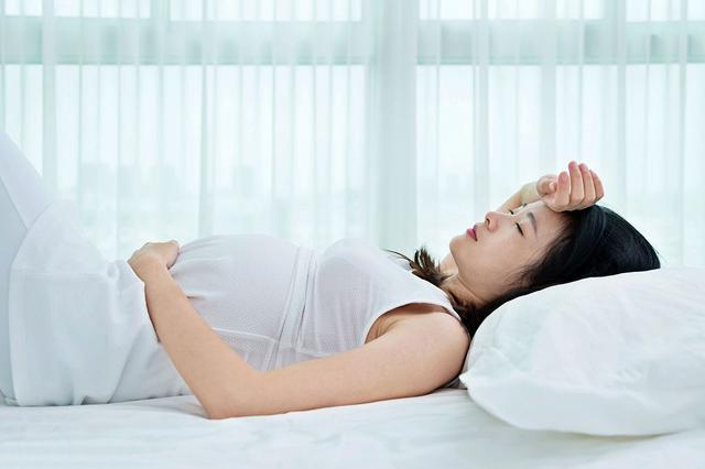 杭40岁二胎孕妈陪大宝复习 情绪失控血压飙升被引产