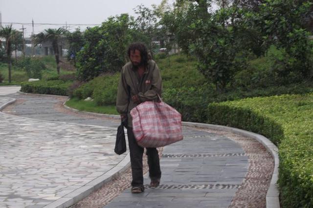 老人跨省流浪五十多年成黑户 浙江警方帮其寻回身份
