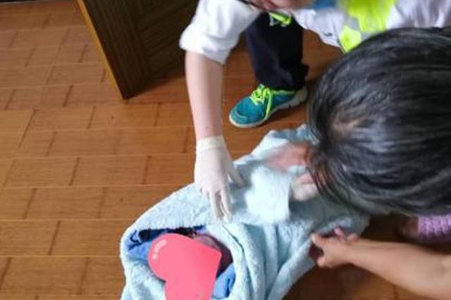 绍兴孕妇厕所意外早产 救护车4分钟赶到急救母婴脱险