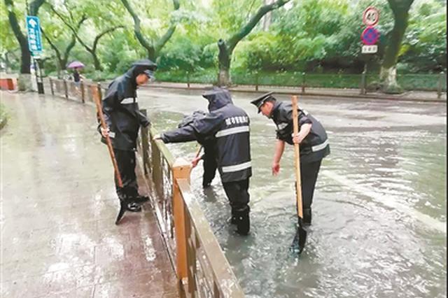 杭州持续大到暴雨 西湖水位加大调控力度