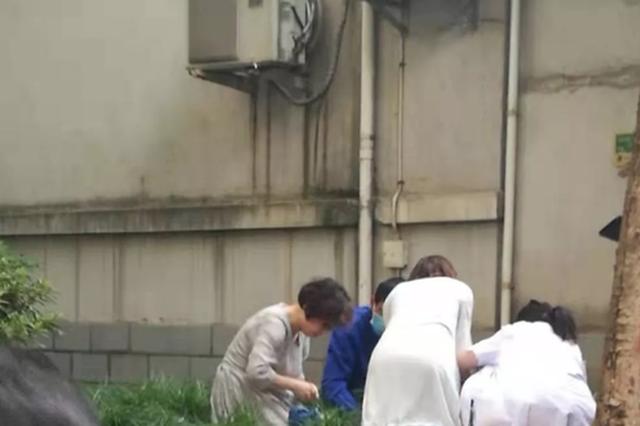 杭州1女孩开煤气轻生后倒地 所幸遇上下班回家的护士