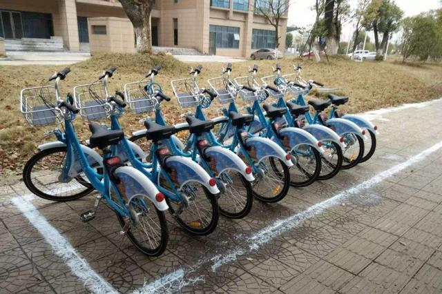 浙江嘉兴公共自行车首次实现无桩 目前处于试点阶段