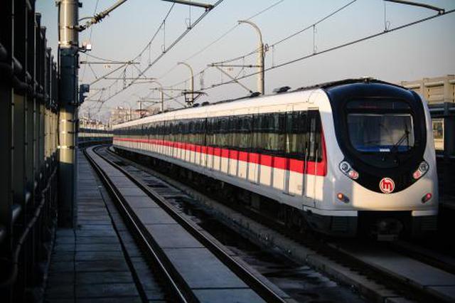 杭地铁6号线工地起重设备倒塌 三位受伤工人已无大碍