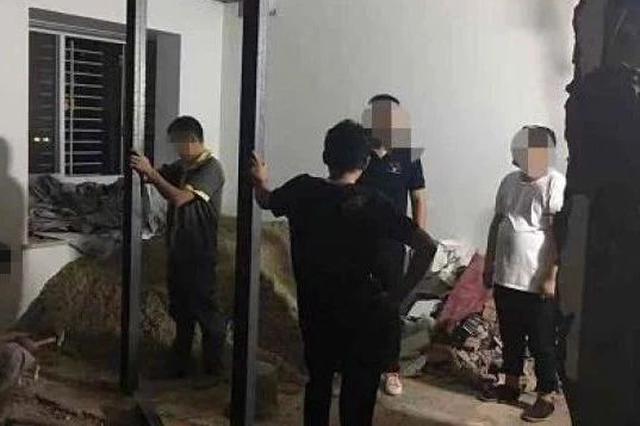 台州男子家中装修狂砸5面承重墙 六层楼邻居全吓跑