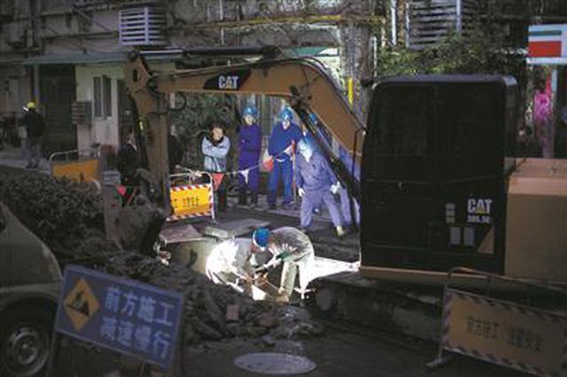 挖掘机施工挖断地下电缆 杭州武林门较大范围区域停电