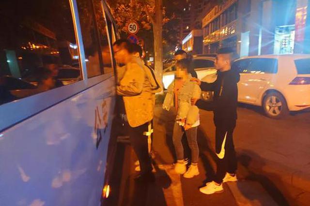 杭州桐庐警方捣毁2个涉黄犯罪团伙 抓获嫌疑人98人