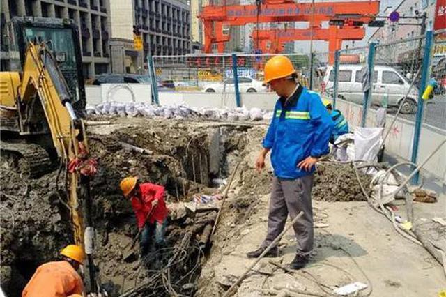 野蛮施工挖断通信光缆 杭男子到公司上班发现上不了网