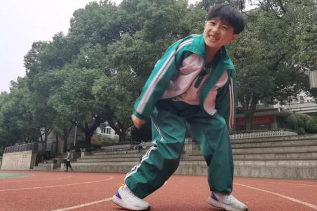 爸爸当经纪人 妈妈还盯着学习 杭州最火街舞少年养成记