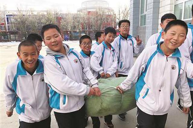浙江捐赠上万公斤衣物给西部学校 温暖了上千个家庭