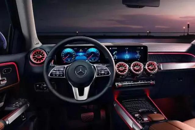 全新梅赛德斯-奔驰GLB SUV宁波正式上市